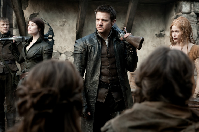 hansel-and-gretel-witch-hunters-gemma-arterton-jeremy-renner1