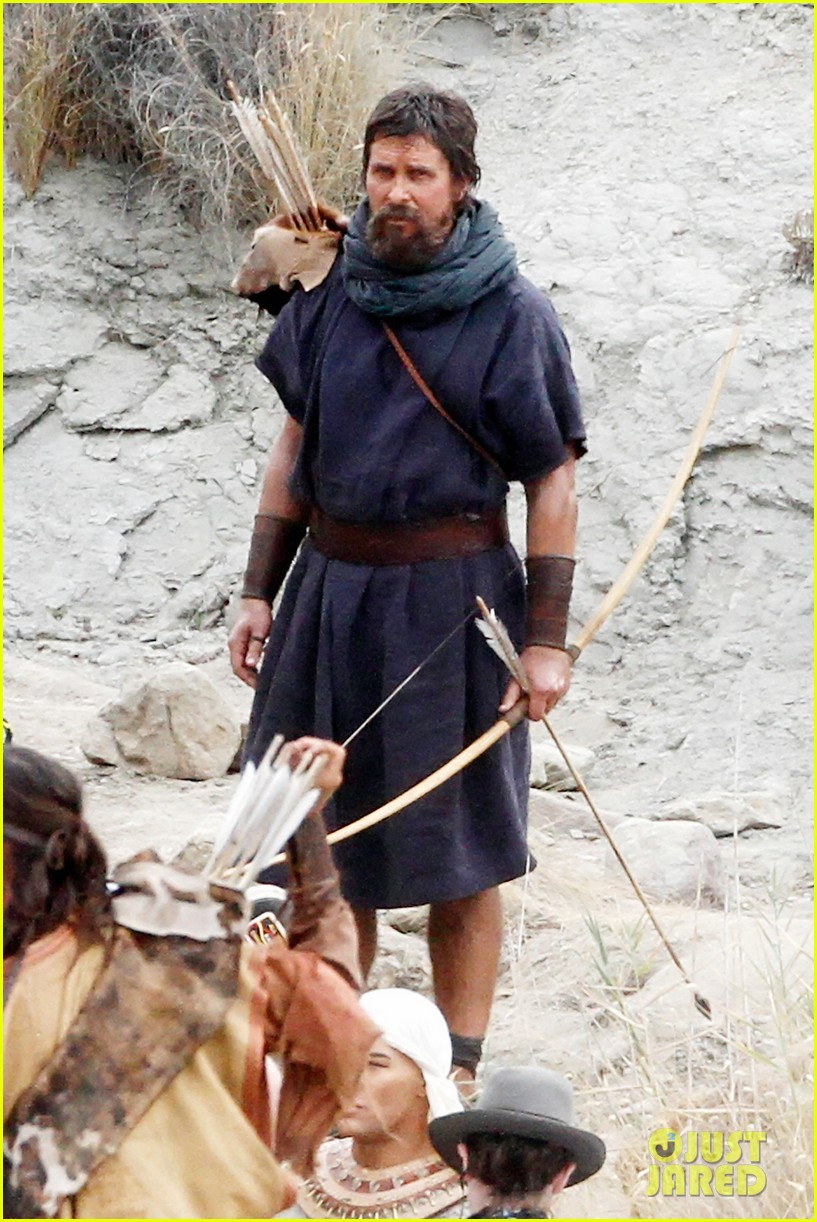 "Christian Bale gets into character on the set of ""Exodus"" **USA ONLY**"