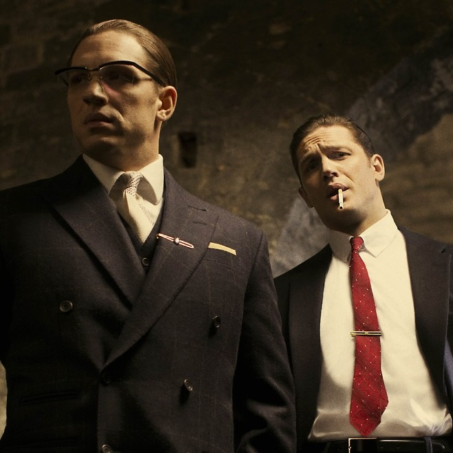 Tom Hardy se multiplica en Legend.