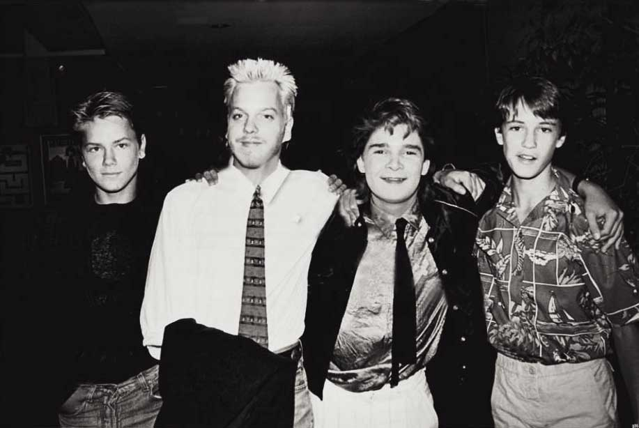 river-phoenix-kiefer-sutherland-corey-feldman-and-wil-wheaton-at-the-premiere-of-stand-by-me-in-beverly-hills-1986